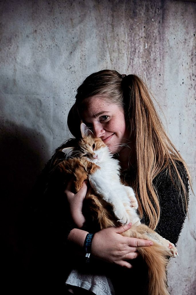 a-girl-with-a-cat.jpg
